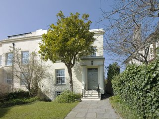 31 SALTERTON ROAD, spacious stylish three-storey town house. 10 minutes to