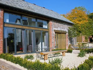 BARLEY HOUSE, super 5* cottage in grounds of striking Grade II listed Talaton Ho