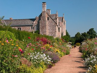 CADHAY, magnificent Devon manor house. 13 bedrooms, splendid gardens and grounds