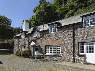 MILBANKE,semi-detached Exmoor cottage with sea views and open fire. Porlock 2 mi