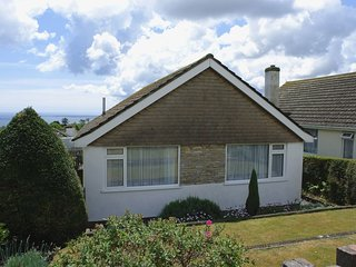 WOODBURY, bungalow with great sea views, close to beach and promenade. In Teignm