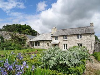 AYSHMOOR, detached Dartmoor cottage with orchard and meadows to explore
