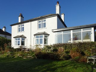 OLD BERKELEY, detached house in popular town with open fire and views to Dartmoo