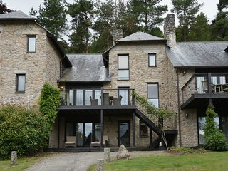 COX TOR, smart lodge at luxury Bovey Castle. Use of hotel spa, pool, tennis and