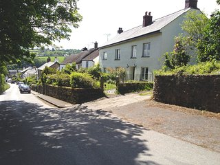 TOWNEND, comfortable family house with extensive grounds and outdoor swimming