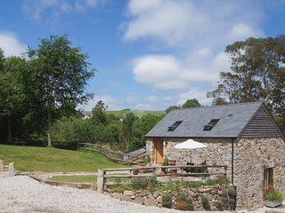 THE LINHAY, romantic detached cottage for two. Haytor Vale 2 miles.