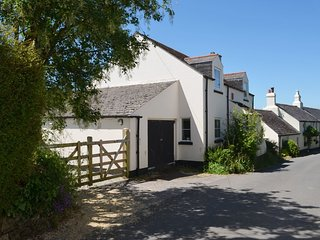 ACORN COTTAGE, attractive, pet friendly cottage with open fire and conservatory