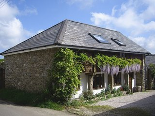 THE LINHAY, beautiful converted Devon linhay in picturesque grounds. Chagford 5