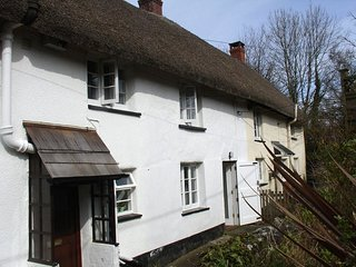 2 CHURCHGATE COTTAGES, Gorgeous thatched cottage in very pretty Devon village. C