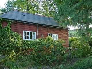 This little Devon retreat is a real gem, having a gate which opens directly on t