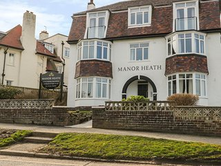 APARTMENT 1, sea views, open-plan living, in Scarborough, Ref 958912
