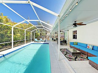 Indoor/Outdoor Living - 3BR House, Screened Pool & Sunroom