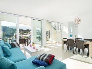 Joya Cyprus Maple Penthouse Apartment