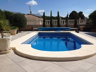 3 Bedroom Villa with  Private Pool,Pinada del Rio,  Near Alicante