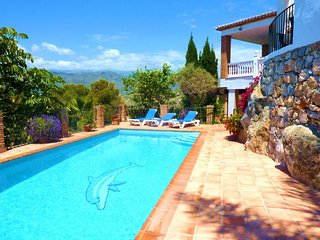 5 Bedroom Villa with Heated Pool in La Herradura