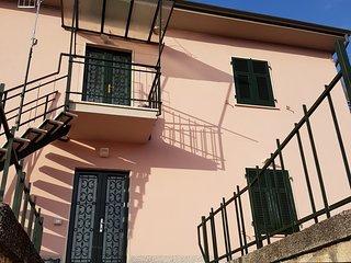 Appartamento con spazio esterno