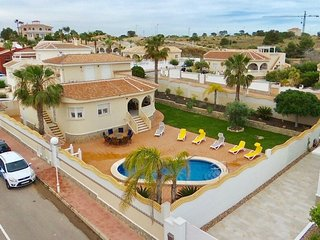 Large and private 4 bed villa