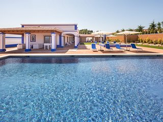 3 bedroom Villa in Aroal, Faro, Portugal : ref 5585516