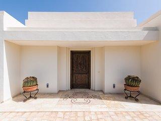 Puerto del Carmen Villa Sleeps 4 with Pool Air Con and WiFi - 5585541
