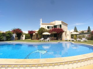 4 bedroom Villa in Galé de Cima, Faro, Portugal : ref 5238115