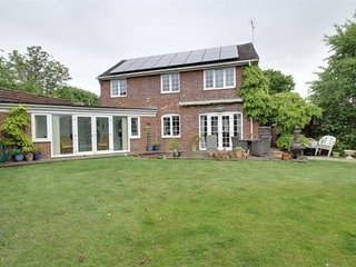Beautiful Large Five Bedroom Detached House