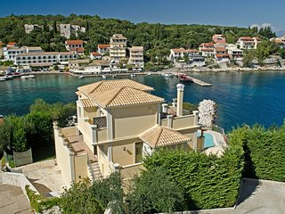 Kassiopi Villa Sleeps 8 with Pool Air Con and WiFi - 5238057