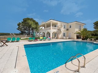 Cala Galdana Villa Sleeps 8 with Pool Air Con and WiFi - 5585407