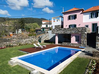 3 bedroom Villa in Ribeira do Raposo, Autonomous Region of Madeira, Portugal : r