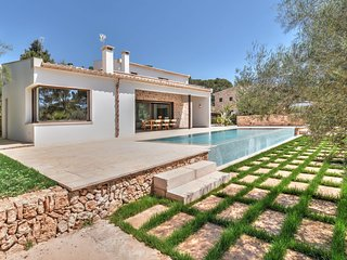 3 bedroom Villa in Portopetro, Balearic Islands, Spain : ref 5585570