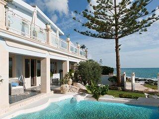 6 bedroom Villa in Fontane Bianche, Sicily, Italy : ref 5238119