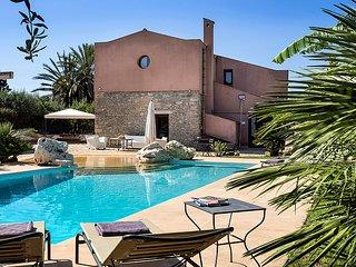 8 bedroom Villa in Buseto Palizzolo, Sicily, Italy : ref 5238120
