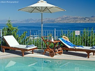 Kassiopi Villa Sleeps 10 with Pool Air Con and WiFi - 5238058