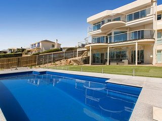 Atlantic Bliss - Luxury Family Retreat (Mount Martha) with pool, views, WiFi, Fo