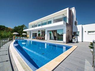 5 bedroom Villa in Sesmarias, Faro, Portugal : ref 5585517