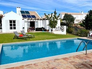 4 bedroom Villa in Guia, Faro, Portugal : ref 5585489