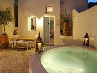 2 bedroom Villa in Megalochori, South Aegean, Greece : ref 5585479