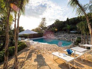 4 bedroom Villa in Syracuse, Sicily, Italy : ref 5238126