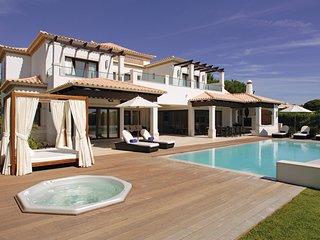 4 bedroom Villa in Aldeia das Acoteias, Faro, Portugal : ref 5237980