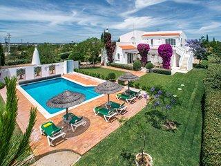 4 bedroom Villa in Vale da Ursa, Faro, Portugal : ref 5238044
