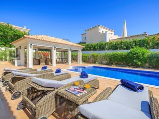 5 bedroom Villa in Almancil, Faro, Portugal : ref 5607909