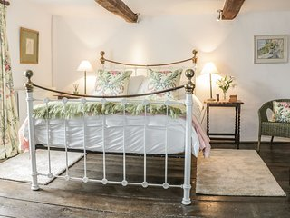 A beautiful Grade II listed cottage sleeping 9 in the heart of Shropshire, AONB