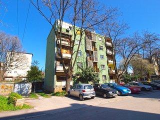 Apartment 16067
