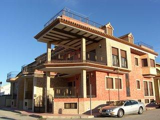 Casa   DALI , RUSTICO  MUY LUJOSO Y CONFORTABLE Y TRANQUILO