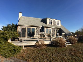 RUSTIC NANTUCKET BEACH HOUSE - SLEEPS 10