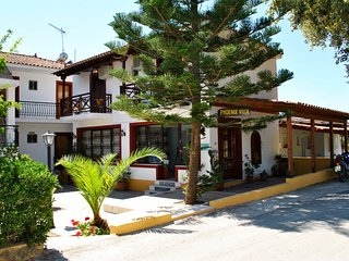 Two-bedroom Apartment in Laganas for 6 guests, 100m away from the beach!