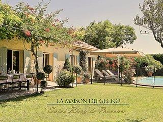 Saint Rémy de Provence - village à pied - Piscine chauffée