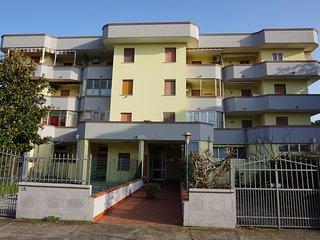 Appartamento trilocale con piscina condominiale Ginestrino B 24