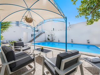 ( 20% discount on all months) GREAT VILLA WITH SAUNA, JACUZZI, GYM, PRIVATE POOL