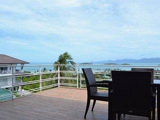 2Bedroom Penthouse Seaview Apartment near Big Buddha:Pool,Gym and Lounge