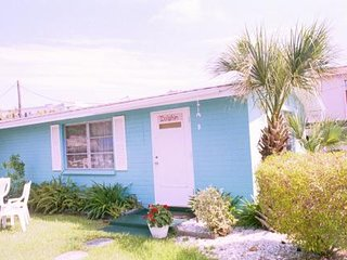 Siesta Key Beach Place - Dolphin Cottage - Discount $800 per week until Dec. 15